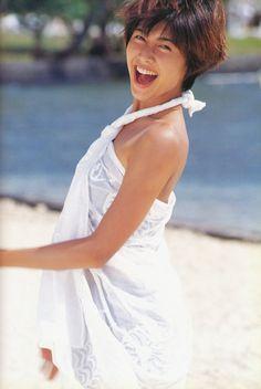 弾ける笑顔の内田有紀