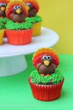 Thanksgiving Cupcake Fondant Toppers To take to thanksgiving!