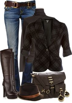 The belt, the boots, and the bag totally make these outfit. Great accessories.