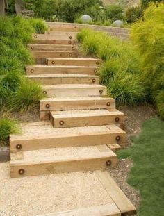 gartentreppe aus Holz mit sand selber bauen