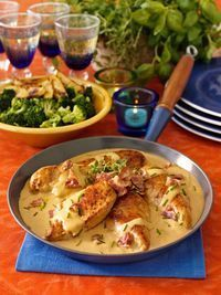 Senapskyckling med bacon - Recept - Stowr Mustard chicken with bacon - Recipe - Stowr Easy Cooking, Cooking Recipes, Healthy Recipes, Food In French, Mindful Eating, Food Hacks, Love Food, The Best, Chicken Recipes