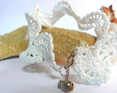 White anklet crochet  beach's collection by Leccio51 on Etsy, €22.00