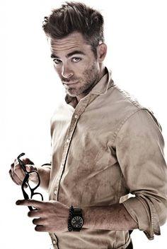 Love Chris Pine!!! Those eyes!!!