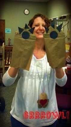 """Phonics craft idea for teaching the diphthong """"aw""""----paws with claws."""