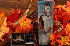 Pillin Pottery Vase Woman with Bird Teal Cylinder Vase Old Pottery, Pottery Vase, Cylinder Vase, Mid Century Art, Backdrops, Teal, Modern Ceramics, Bird, Woman