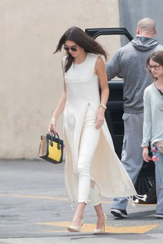"Kendall Jenner ""Pioneers"" Wearing a Dress Over Pants Stylish Dresses, Nice Dresses, Fashion Dresses, Fashion Clothes, Kurti Designs Party Wear, Kurta Designs, Indian Designer Outfits, Designer Dresses, Moda Indiana"