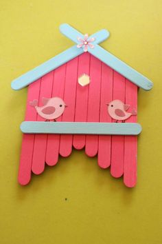 Mon joli petit nichoir, You are in the right place about decoration art design Here we offer you the most beautiful pictures about the decoration art ideas you are looking for. When you examine the Mon joli petit nichoir, part of the picture you can … Popsicle Stick Art, Popsicle Crafts, Craft Stick Crafts, Preschool Crafts, Easter Crafts, Kids Crafts, Craft Sticks, Ice Cream Stick Craft, Kids Diy