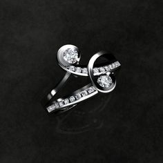 Unusual Engagement Rings - Engagement Rings - White gold please. Love This!!!