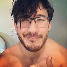 Day 5 of Mark's after workout pictures 👌👌 Pewdiepie, Markiplier Memes, Markiplier Imagines, Mark And Ethan, Jack And Mark, Adventure Time Art, Cartoon Network Adventure Time, Cryaotic, Style Masculin