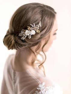 Floral Bridal Hair Comb with Silk Flowers and Vine Leaves – Bridal Hair Accessory – Flower Wedding Headpiece – Rose Gold Comb - Wedding Hair Crown Wedding Curls, Flower Headpiece Wedding, Wedding Hair Flowers, Hair Comb Wedding, Wedding Hair Pieces, Flowers In Hair, Silk Flowers, Bridal Comb, Wedding Bands