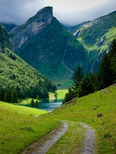 bluepueblo: Mountain Lake, Appenzellerland, Switzerland photo via spicy Places To Travel, Places To See, Travel Destinations, Places Around The World, Around The Worlds, Belle Photo, Beautiful Landscapes, Wonders Of The World, Paths