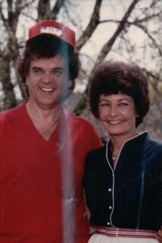 MR AND MRS CONWAY TWITTY