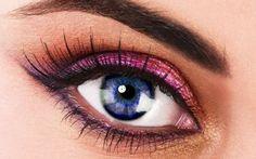Eye make-up wallpaper