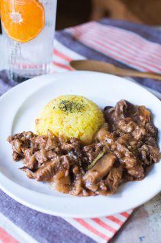 干し椎茸で旨味たっぷりビーフストロガノフ by 菅田奈海 / 椎茸の旨味で美味しさアップ&実はお肉のかさまし効果にもなってるよ。買ってもあまりがちなサワークリームはクリームチーズで代用してプチ本格的なビーフストロガノフに。 / Nadia