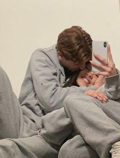 Cute Couples Photos, Cute Couple Pictures, Cute Couples Goals, Couple Photos, Teen Couples, Relationship Goals Pictures, Cute Relationships, Secret Relationship, Relationship Texts