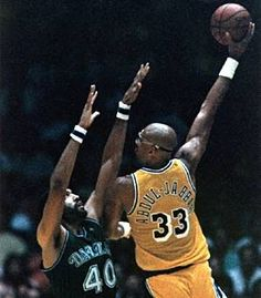 d218924d9f3 Lakers  33 Kareem Abdul Jabbar
