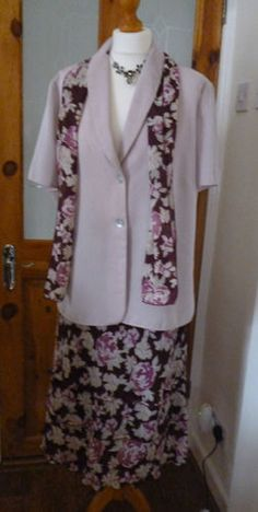 another very elegant outfit for the mother of the bride