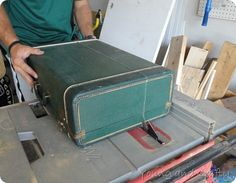 DSC03831  How to make a suitcase shelf. Very good instructions