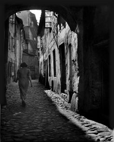 Roman Vishniac. The Old Ghetto, Wilno, Poland, ca. 1935–38
