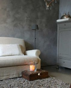 Slik maler du med kalkmaling Slate Grey. (Foto: Kristian Owren / Ifi.no)