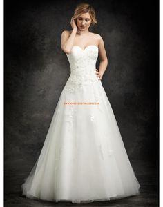 Robe de mariée col en coeur tulle avec applications lacet