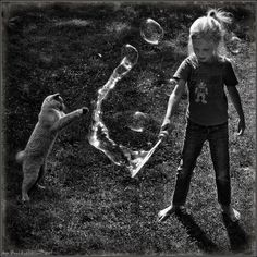 photo: Play the Bubbles | photographer: Andy Prokh | WWW.PHOTODOM.COM
