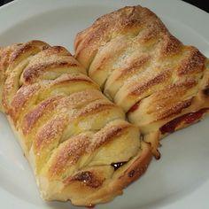 Receita de Pão recheado com goiabada. Enviada por Jussara Aymone e demora apenas 120 minutos.