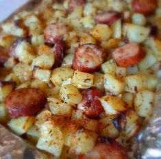 Oven Roasted Smoked Sausage Cheesy Potatoes - looks really nice! 1 package of smoked sausage (Peel if necessary, and slice into rounds) 1 large onion, peeled and chopped 5 large potatoes, peeled and chopped into inch cubes olive oil fine sea salt Potato Dishes, Potato Recipes, Pork Recipes, Food Dishes, Cooking Recipes, Recipies, Main Dishes, Side Dishes, Easy Kielbasa Recipes