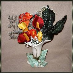 Lace Sculpture - Calla Lilies The third set of designs in the Calla Lilly series. Three dimensional Callas to go with your Calla Lily Bowl and Calla Lily Designs. These flowers come in 4 sizes. Calla Lillies, Calla Lily, Lilies, Wedding Embroidery, Three Dimensional, Machine Embroidery Designs, Third, Display, Sculpture