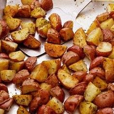 Roasted Red Potatoes - Martha Stewart Recipes --super nummy with added garlic powder.these r the best! Red Potato Recipes, Potato Dishes, Food Dishes, Side Dishes, Potato Meals, I Love Food, Good Food, Yummy Food, Tasty