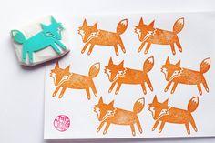 fox hand carved rubber stamp. woodland animal por talktothesun