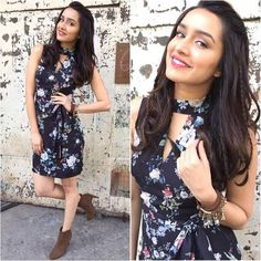 Nice Bollywood: Rate her look Shraddha Kapoor in Forever New Dress for movie promotions Bollywood College Girls, College Outfits, Bollywood Photos, Bollywood Fashion, Bollywood Stars, Beautiful Bollywood Actress, Beautiful Indian Actress, Indian Celebrities, Bollywood Celebrities