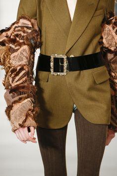 Maison Margiela Fall 2016 Ready-to-Wear Fashion Show Details