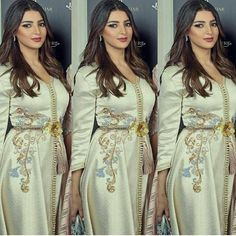 Morrocan Fashion, Oriental Fashion, Arabic Dress, Moda Paris, Moroccan Caftan, Gowns Of Elegance, Chic Dress, Couture Dresses, Traditional Dresses