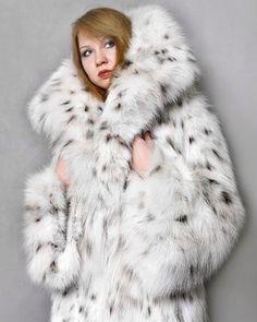 #fur #style #furcoat #furlover #furlovers #lynxcoat #furs #lynxfur #lynx #wealth #style #fashion #furfashion #furfetish #wearfur #furcoats…