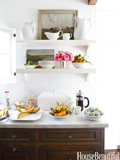 White kitchen open shelving-- not sure about any open shelving, but if we do some, I like these smaller shelves Home Design, Küchen Design, Beach Design, Shelf Design, Open Kitchen, Kitchen Dining, Kitchen Decor, Kitchen Styling, Narrow Kitchen