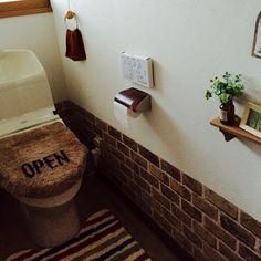 100均セリアのDIY優秀アイテム【レンガ柄リメイクシート】活用例15選 | folk Decor, Bathroom Vanity, Toilet Paper, Toilet Paper Holder, Bath, Vanity, Interior, Home Decor, Bathroom