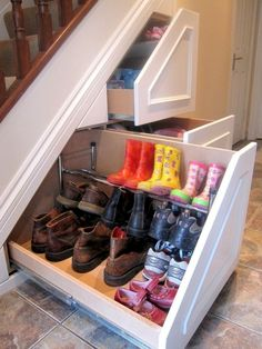Stunning 38 DIY Storage Ideas for Storing Your Shoes http://decoraiso.com/index.php/2018/06/22/38-diy-storage-ideas-for-storing-your-shoes/