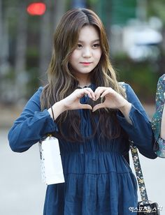 Kim Ye Won, Love Me Forever, Korean Singer, Girl Group, Korean Fashion, Kpop, Fashion Beauty, That Look, Female