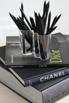 die besten 25 beige home office farbe ideen auf pinterest b ro farbschemata neutrale. Black Bedroom Furniture Sets. Home Design Ideas