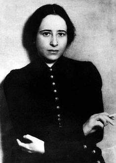Hannah Arendt nach ihrer Emigration aus Deutschland 1933 in Paris, wo sie jüdische Jugendliche betreute.