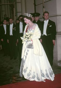 The Queen's record reign: her iconic fashion - Photo 8 | HELLO!