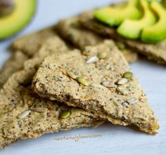 5 Seed Oatcakes made without palm oil or any other oil! Made with gluten-free oats, sunflower seeds, chia seeds, pumpkin seeds, sunflower seeds and flax seeds. You can use any nut or seed that you like. Easy to make this crispy and nutritious cracker Healthy Crackers, Healthy Snacks, Healthy Eats, Healthy Cookies, Gluten Free Oats, Gluten Free Baking, Vegan Recipes, Snack Recipes, Cooking Recipes