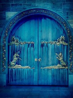 The lion and the unicorn were fighting for the crown..... (on these doors) (-: