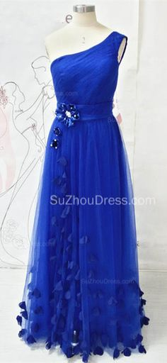 Pretty Dresses can not be always in Mermaid. Sexy is not only the fashion style. One shoulder and A-line dress is the specail design to show ladies' beauty. Royal Blue With Butterflies is both Cute and Elegant. suzhoudress.com