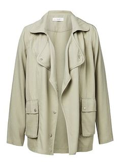 SEED 100% Tencel Relaxed Trench. Comfortable fit. Features front yoke, pocekts and all trims in Antique silver. Available in Light Khaki.