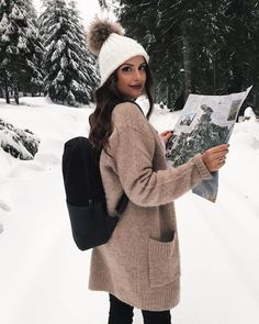 Pin by lisa rivera on fall fashion winter photography, winte Winter Girl, Ootd Winter, Winter Coat, Autumn Winter Fashion, Fall Fashion, Winter Mode Outfits, Winter Fashion Outfits, Winter Outfits, Winter Looks