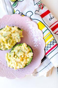Hej på er! Vi har sportlov här så tiden försvinner fortare än fort! Här kommer ett tips på en smarrig frukost/mellanmål/kvällis! Ägg och avocado är ju typ det bästa jag vet och speciellt i kombination! Äggsallad på fröknäcke är gudomligt men minst lika gott att fylla en avocado med! Koka äggen hårdkokta. Gröp ur avokadon, […]