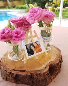 Decoração de casamento simples: 100 fotos + tutoriais para o grande dia Wedding Tips, Wedding Photos, Wedding Planning, Wedding Day, Rustic Walls, Rustic Wall Decor, Blue Wedding, Rustic Wedding, Wedding Reception Decorations