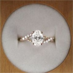 Minimalist Engagement Ring (70)